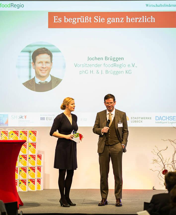 Moderation Digitalisierung von Carmen Hentschel auf dem Food Regio Event in Lübeck