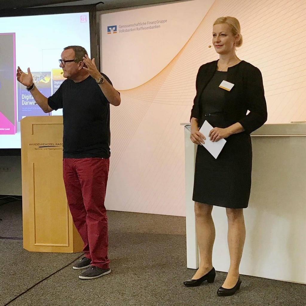 Moderator Digitalisierung Bank und Finanzen Carmen Hentschel