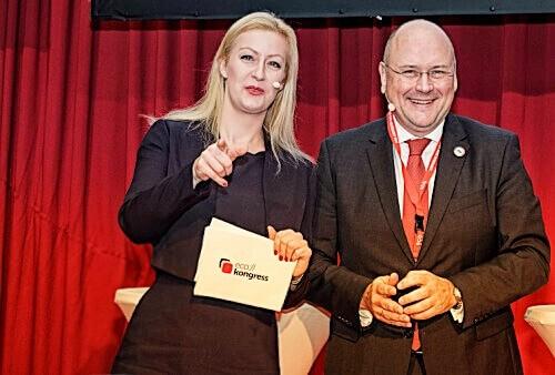 Die Keynote Speakerin für Digitalisierung und Zukunftsthemen Carmen Hentschel mit Arne Schönbohm