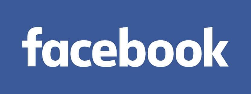 Moderatorin Carmen Hentschel moderiert Podiumsdiskussion Künstliche Intelligenz für Facebook